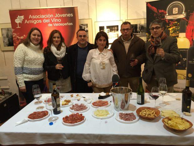 Rozas presentó los vinos de Las Agrupadas a AJAV